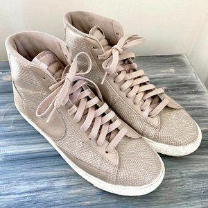 Nike Women's Blazer 8.5 Mid tan snake print shoe